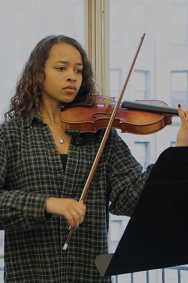 Photograph of Baltimore School for the Arts student playing violin