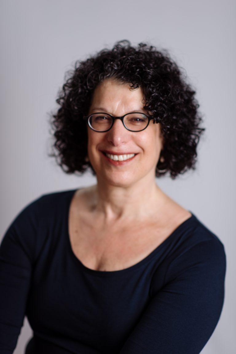 Portrait of Debra Robinson Deckelbaum