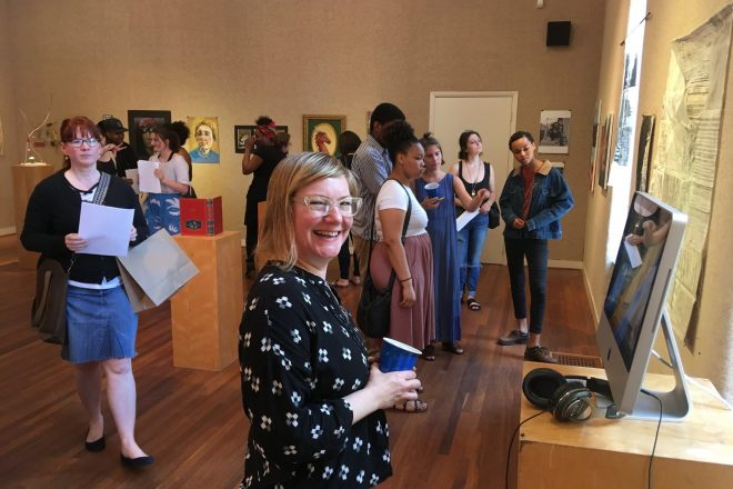 Image of Baltimore School for the Arts students at a gallery